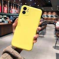 Capa iPhone 11 Silicone Líquido - Amarelo